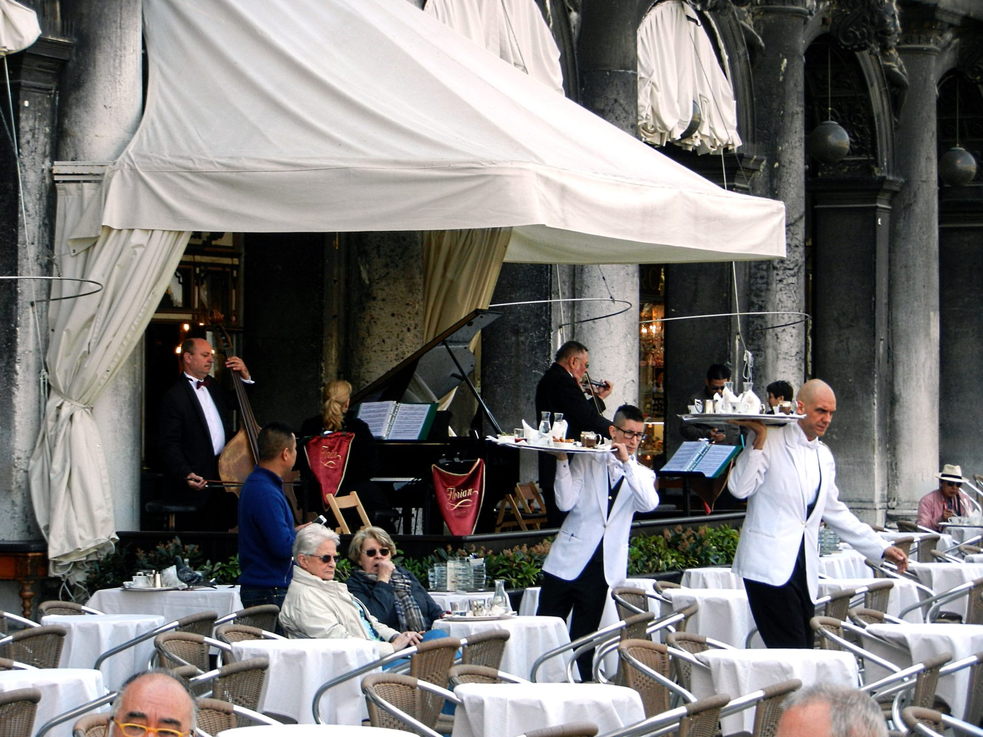 St Mark S Square Cafe Venice Italy The Incredibly