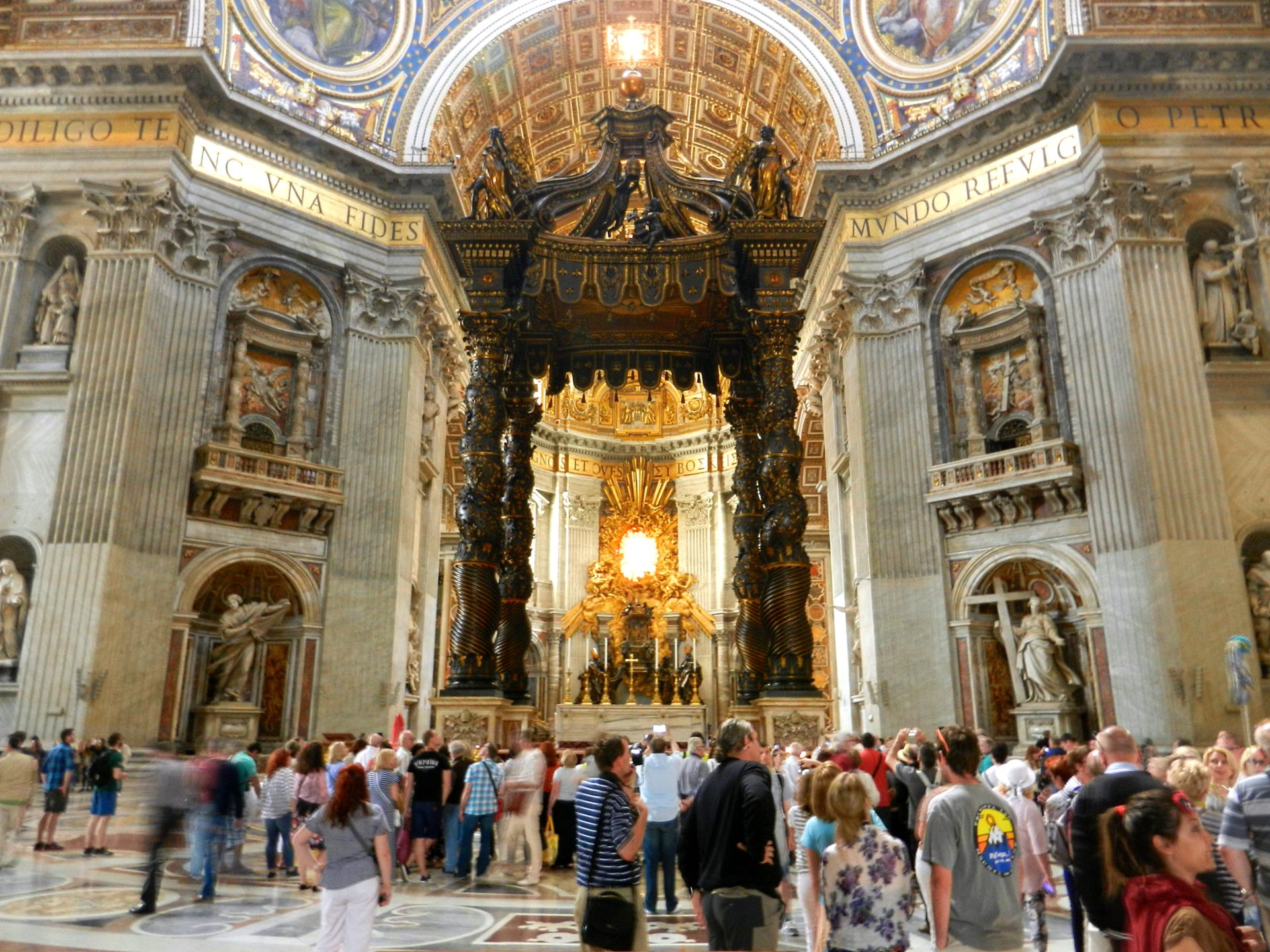 St Peter S Baldachin Vatican Italy The Incredibly